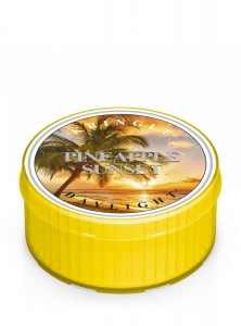 Kringle Candle PINEAPPLE SUNSET daylight
